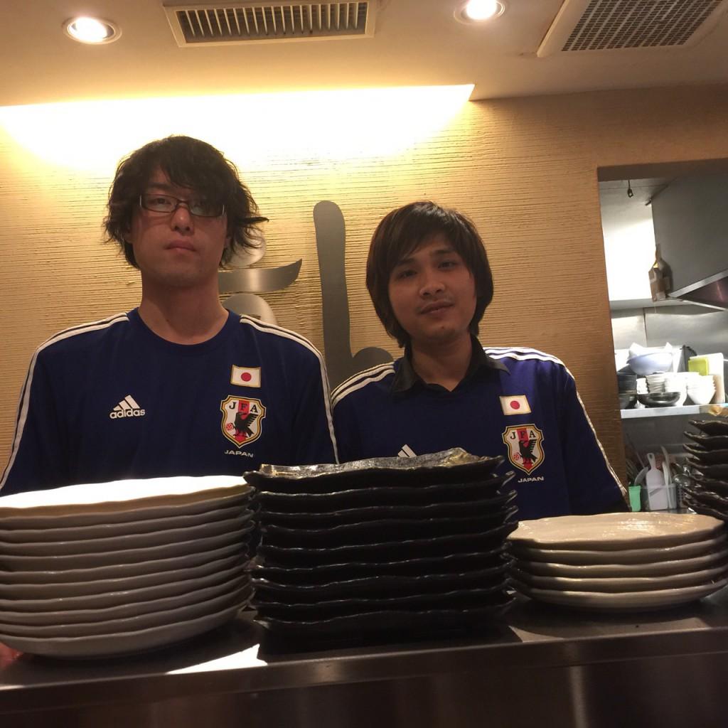 日本代表の試合応援してます